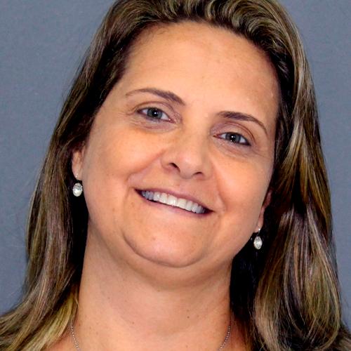 Ana Caetano em Odontologia Estética Integrada
